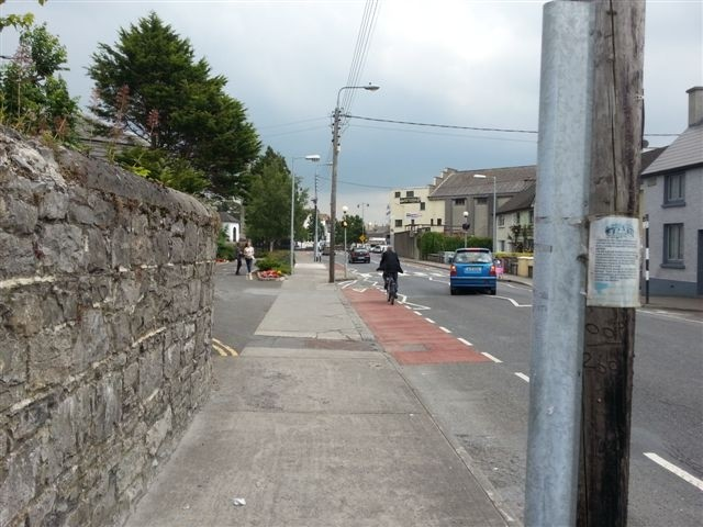 Nenagh, car takes evasive action to avoid cyclist