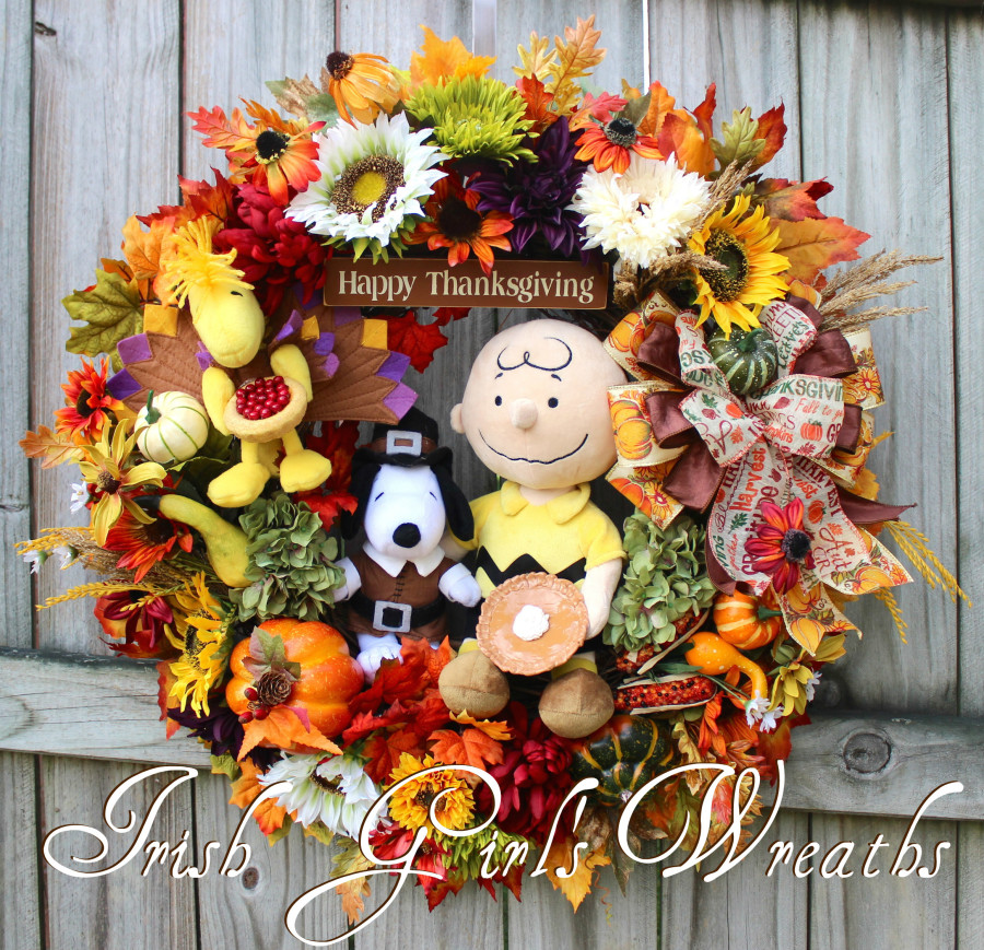 Deluxe Charlie Brown Thanksgiving Wreath