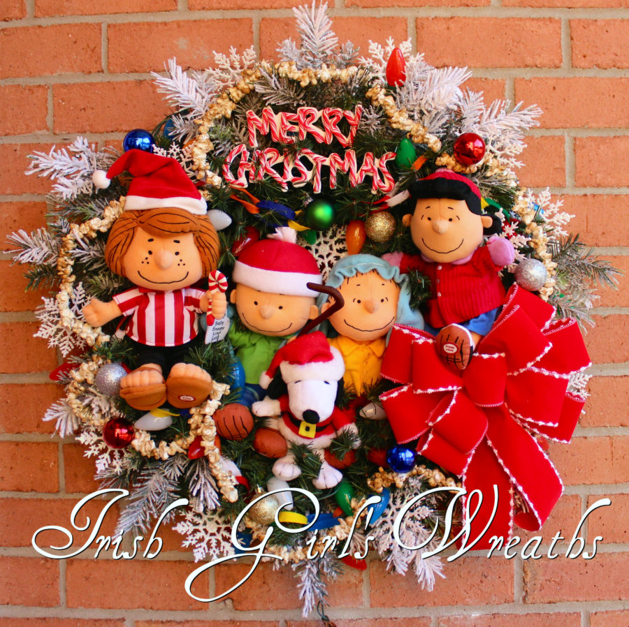 Deluxe Peanuts Gang Charlie Brown Christmas Wreath #3