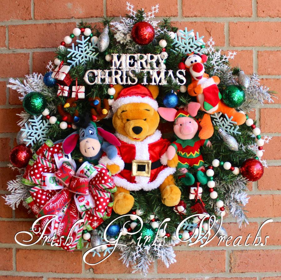 Merry Christmas Winnie the Pooh & Friends Wreath, Santa Winnie the Pooh