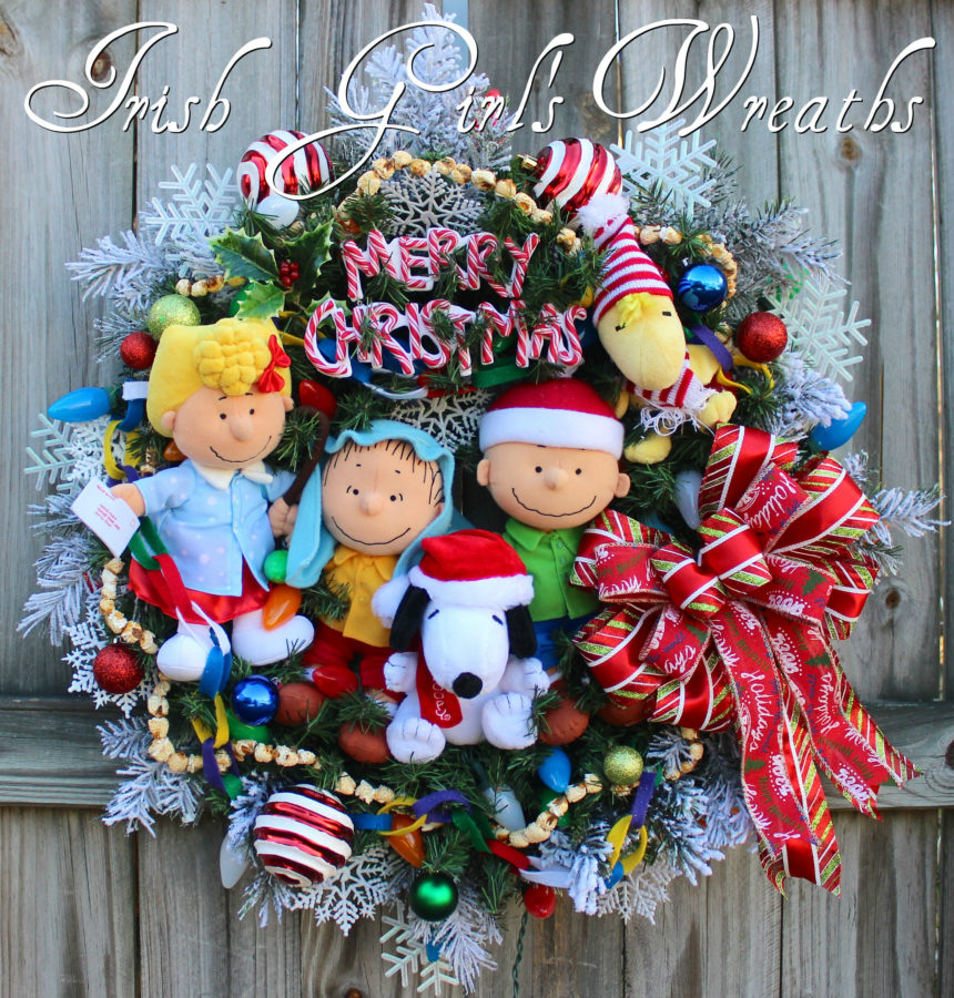 Deluxe Peanuts Gang Charlie Brown Christmas Wreath #4