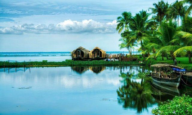 kerala backwaters houseboat trip