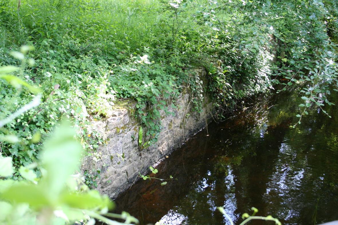 Stonework along the long-distance outlet immediately below the bridge 2