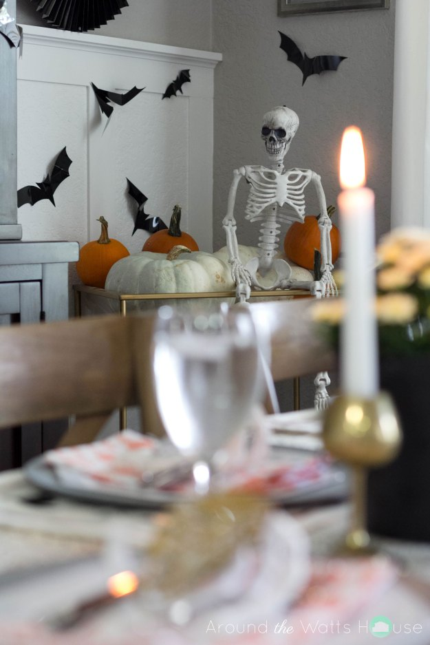Halloween-Dining-Spooky-Gue