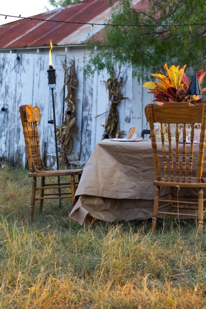 whimsical-outdoor-dining-halloween-fall-decorating-ideas-irisnacole-com