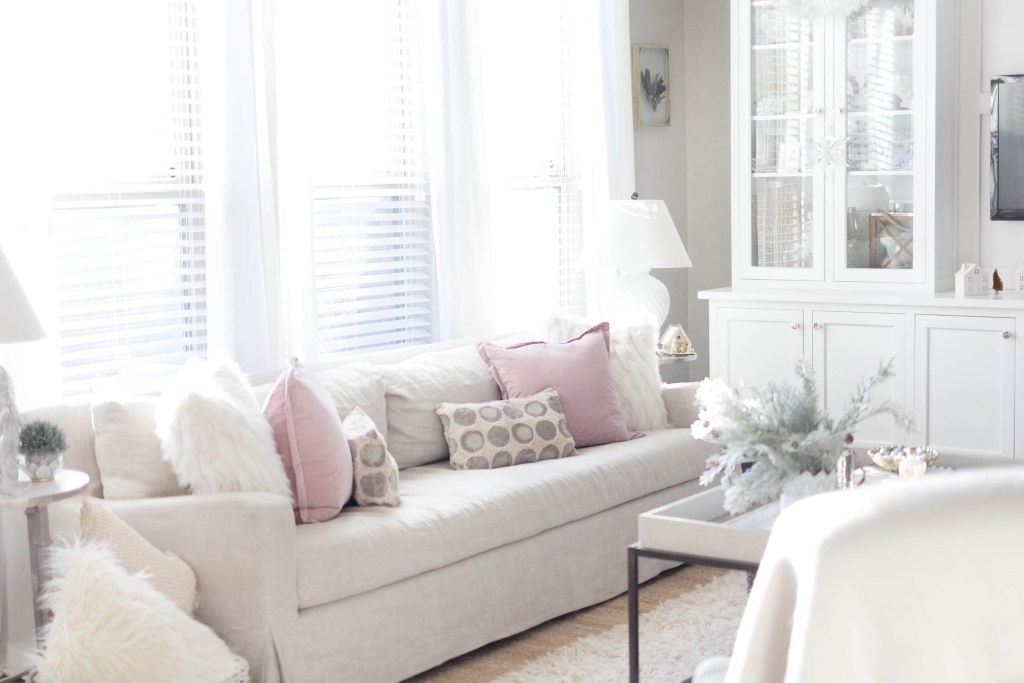 cozy winter living room decor-bohemain-glam-christmas-home-tour-iris-nacole-living-room-tour