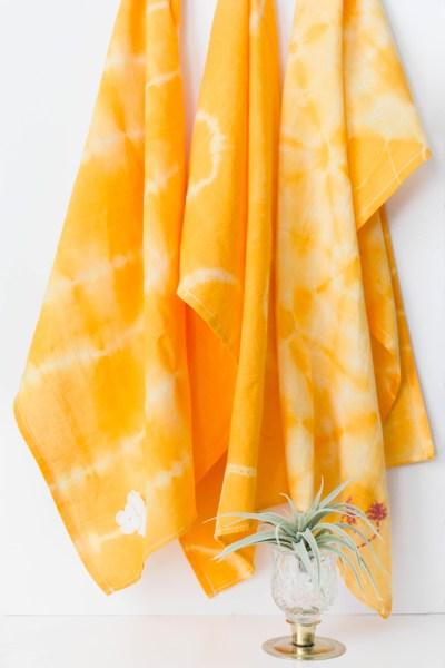 Simple Shibori Tea Towel Tutorial with IrisNacole.com