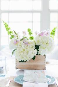 The Home I Create Easy DIY Spring Flower Arrangement-The Creative Circle Link Party 107 Feature