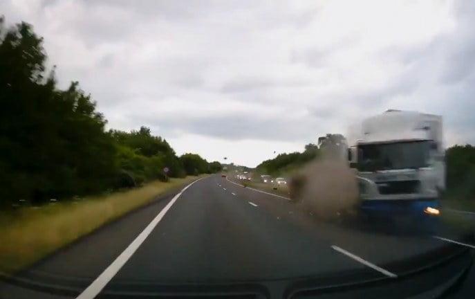 Przerażające nagranie z kamery samochodowej [WIDEO]