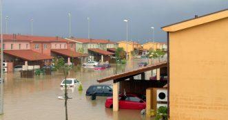Tajfun, który spustoszył Japonię wpłynie na pogodę w UK oraz Irlandii [WIDEO]