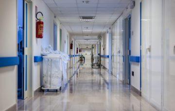 """Micheal Martin: """"Szpitale w całym kraju znów muszą zmierzyć się z Tsunami"""""""