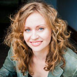 @caitlinrobsonTO Caitlin Robson as Ashley