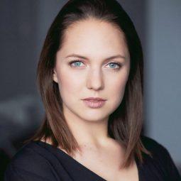 @emilyddickinsonEmily Dickinson as Katie