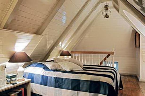Bett Unter Dachschrge Gallery Of Nach Ma In Dachschrge Mit Balkenbett U Abklappbare With Bett