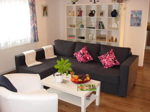 Wohnzimmer Regal Modern ~ Inspirierende Bilder Von Wohnzimmer ... Deko Wohnzimmer Regal