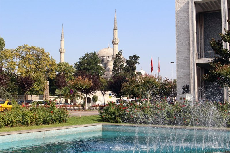 20+ Places to See in Istanbul, Turkey