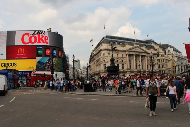 Piccadilly | London for free: places to visit and things to do
