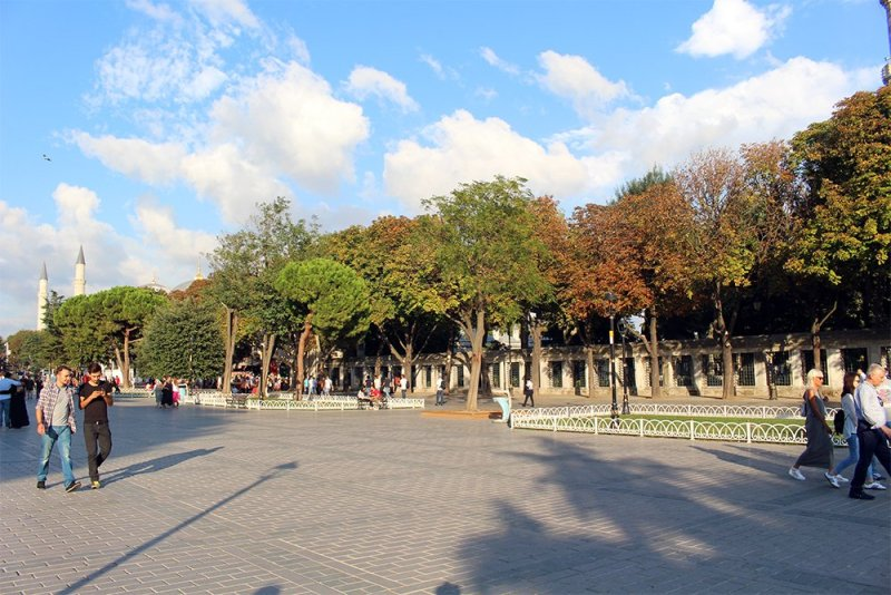 What to See in Sultanahmet Square, Istanbul, Turkey