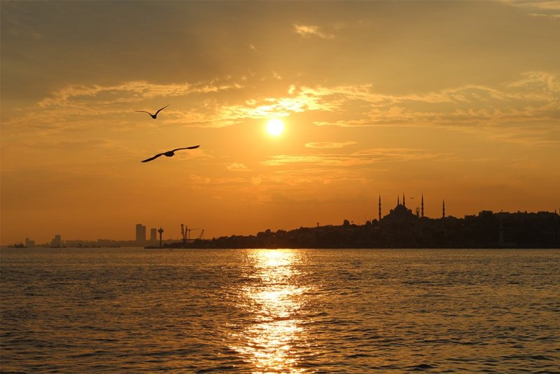 Sunset over Istanbul | The Prince Islands: how to get, places to see, things to do