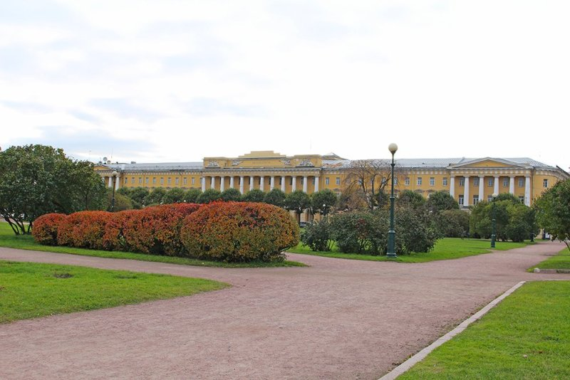 More than 20 things to do and places to see in St Petersburg | Field of Mars