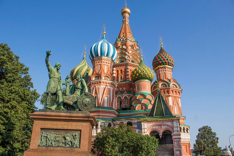 Why to Travel to Moscow