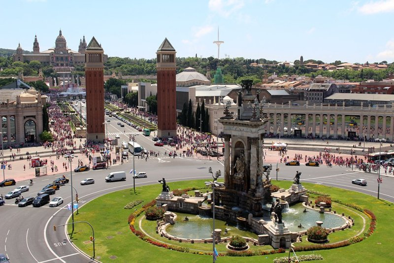 First Timer's Guide: 12 places to see in Barcelona | Placa de Espanya