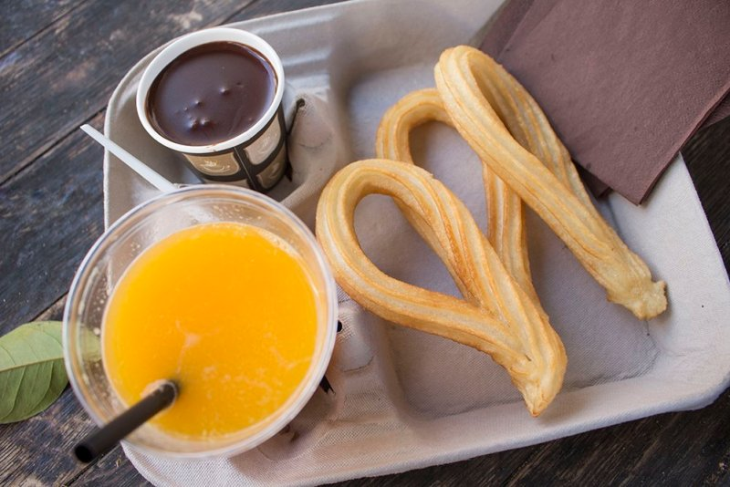 3 weeks of solo travel in Spain: 3 days in Cordoba | Churros with chocolate
