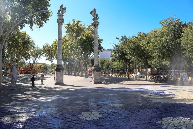3 Weeks of Solo Travel in Spain, Part 6: a Long List of Places to See in Seville | Alameda de Hercules