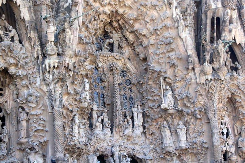 Что посмотреть в Барселоне в первый раз   Храм Святого Семейства Sagrada Familia
