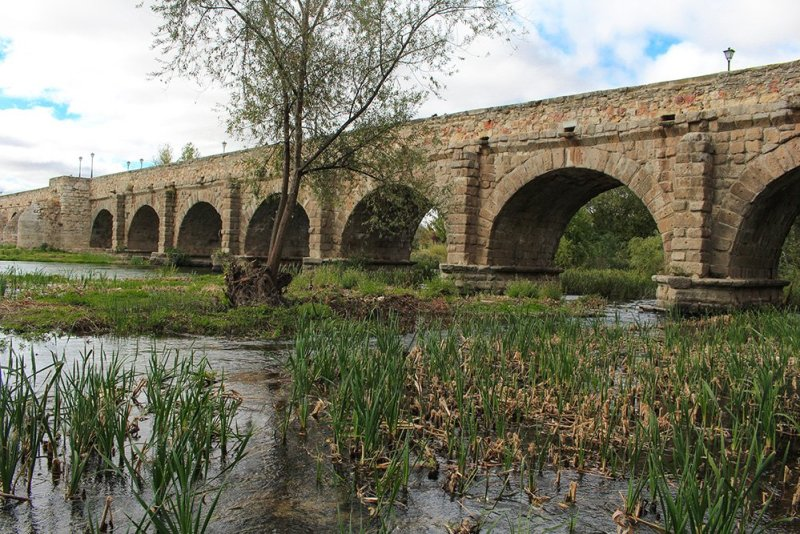 Things to do in Salamanca, Spain | Puente Romano