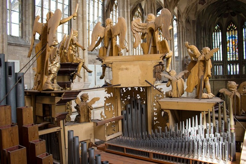 Kutna Hora on a day trip from Prague: things to do | Statues on the organ in St Barbara Church from behind