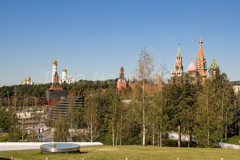 Moscow pictures: stunning photos of Moscow | The Kremlin from Zaryadye Park