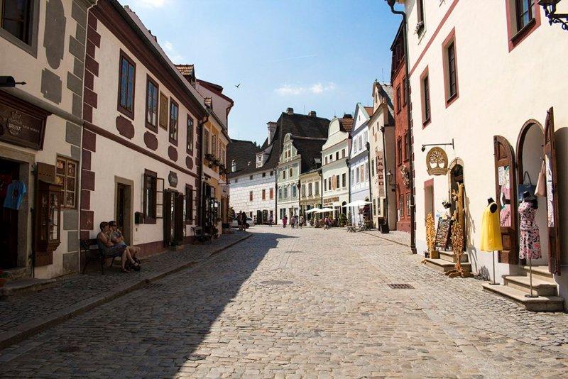 A day trip from Prague to Cesky Krumlov Castle   Široká Street