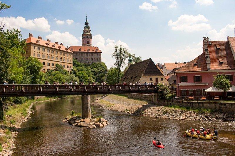 A day trip from Prague to Cesky Krumlov Castle   Kayaking the Vltava River