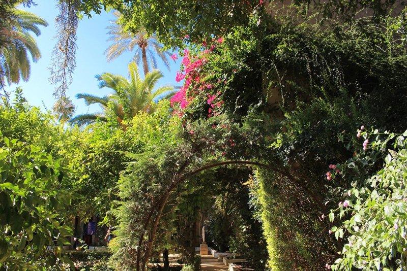Главные и самые красивые достопримечательности Севильи | Сады во дворце Дуэний