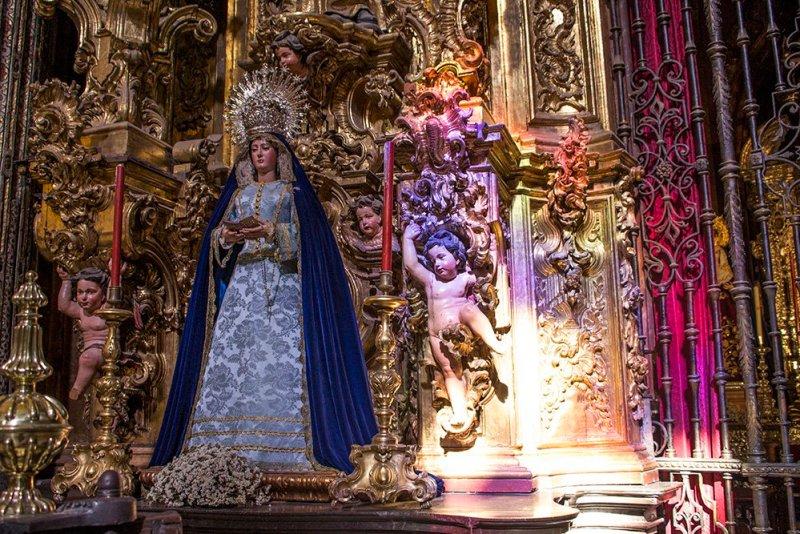 Главные и самые красивые достопримечательности Севильи | в Церкви Сальвадора в Севилье