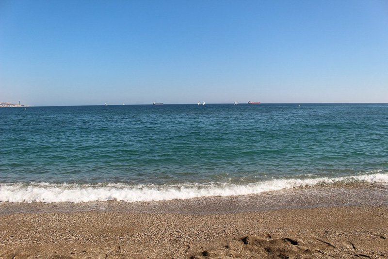 A 2-weeks DIY tour: Andalusia itinerary by bus | La Malagueta beach in Malaga
