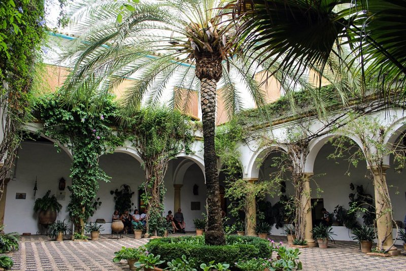 A 2-weeks DIY tour: Andalusia itinerary by bus | Palacio de Viana in Cordoba