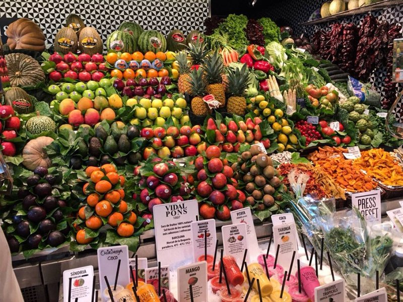 Things to do in Barcelona for free   Boqeria market