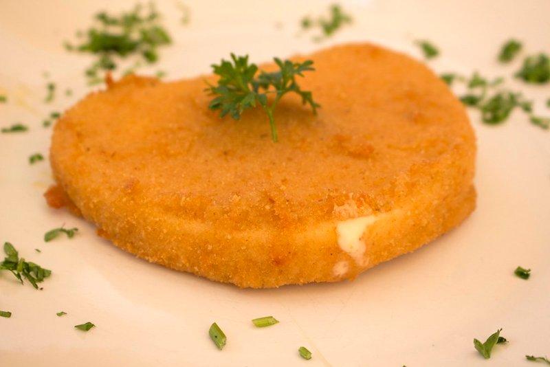 Чешская кухня: жареный сыр