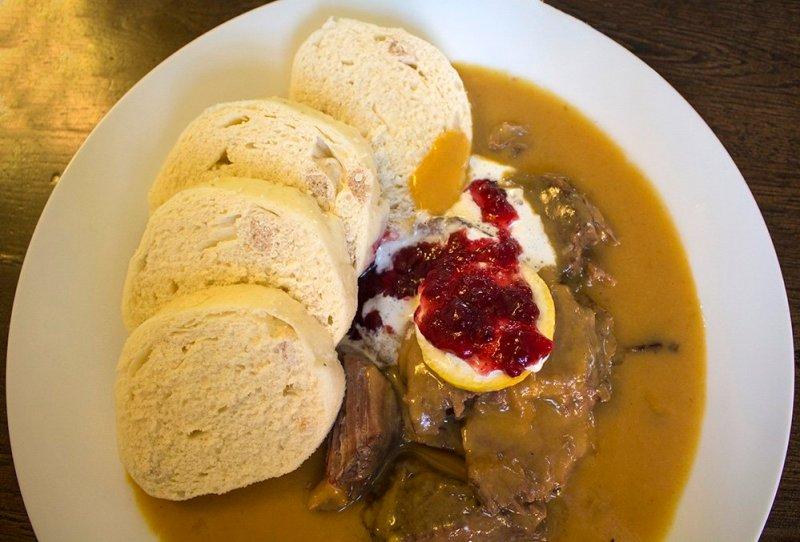 Чешская кухня: Свичкова с кнедликами