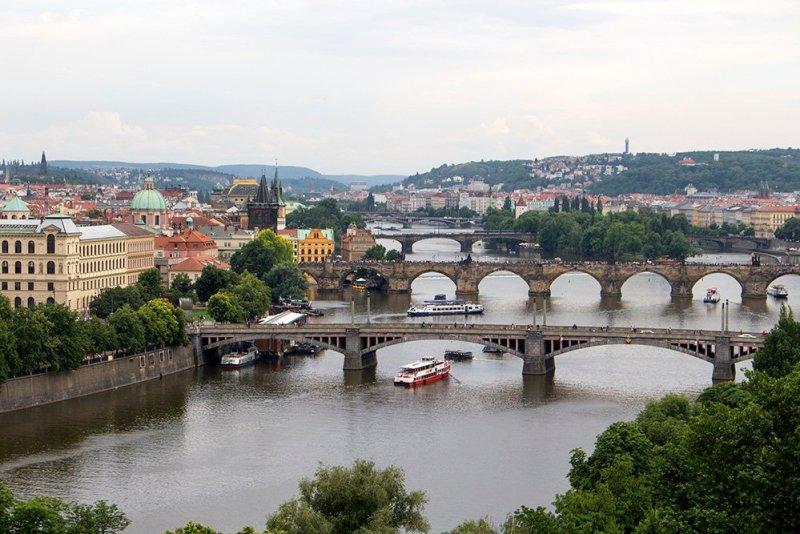 Вид на Прагу с парка Летна