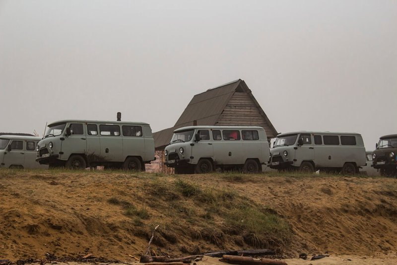 Tour cars in Olkhon Island