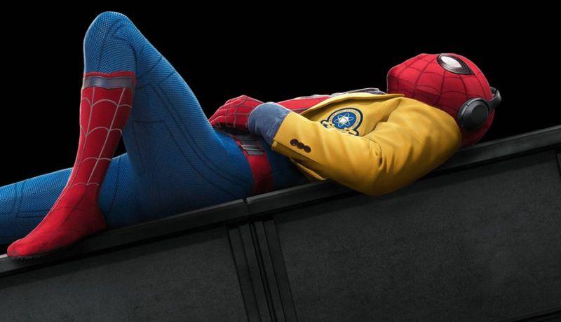 Nonton Spiderman Kelebihan Kerja di Rumah Untung Besar