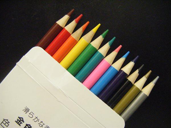ダイソー 色鉛筆