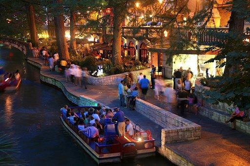 San Antonio Riverwalk Hotels 2 Bedroom Suites