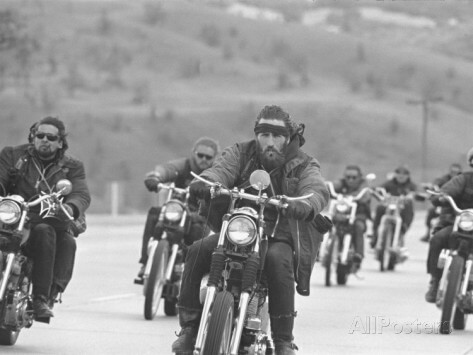 bill-ray-hell-s-angels-motorcycle-gang-riding-in-a-pack-on-the-road