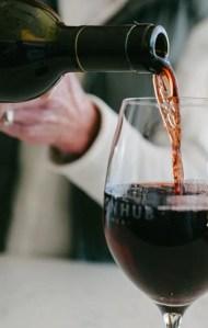 Iron Hub Wine