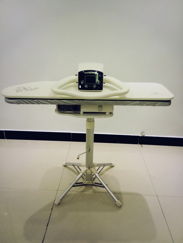 Heavy Duty Steam Iron with Stand
