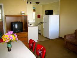 ironman accommodations  -motel kitchenette